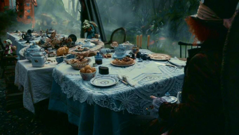 Tim Burton S Alice In Wonderland Alice In Wonderland Tim
