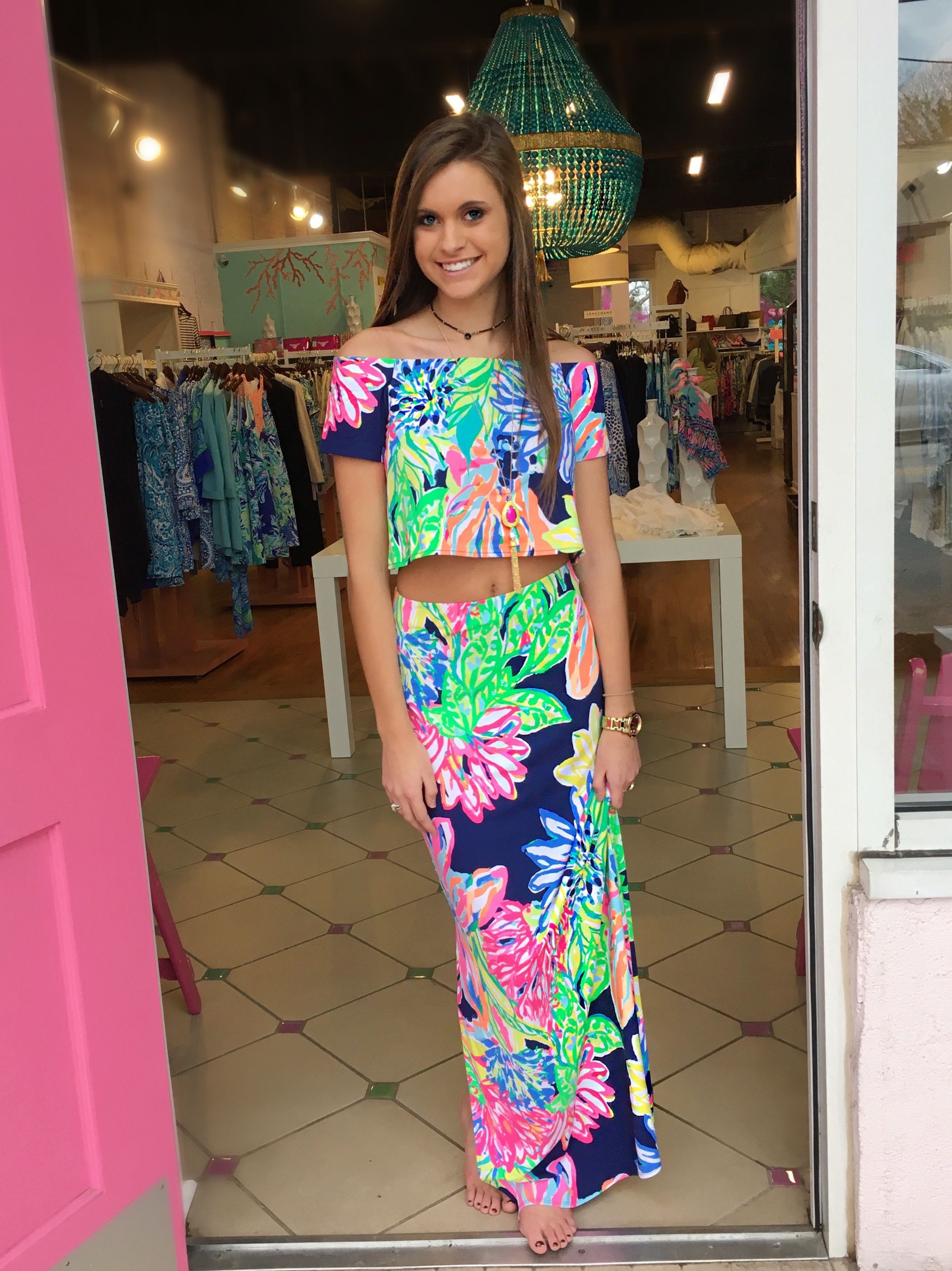 74cd0f7a23f021 Mansi Set Travlers Palm Pink Bee, The place to shop for Lilly Pulitzer  Dresses, Sets, Tops, Pants, Shorts, accessories and shoes!