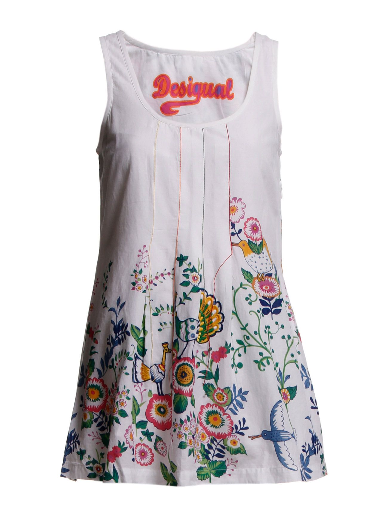 I tried on this Desigual's lovely shirt but unfortunately I can't afford it. A gift idea? :)