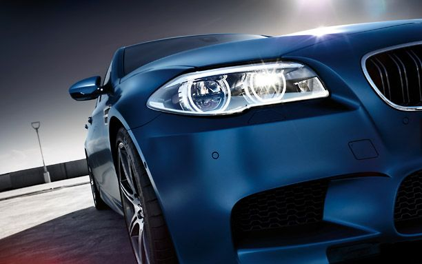 2015 BMW M5 Sedan - I think its looking right at me!