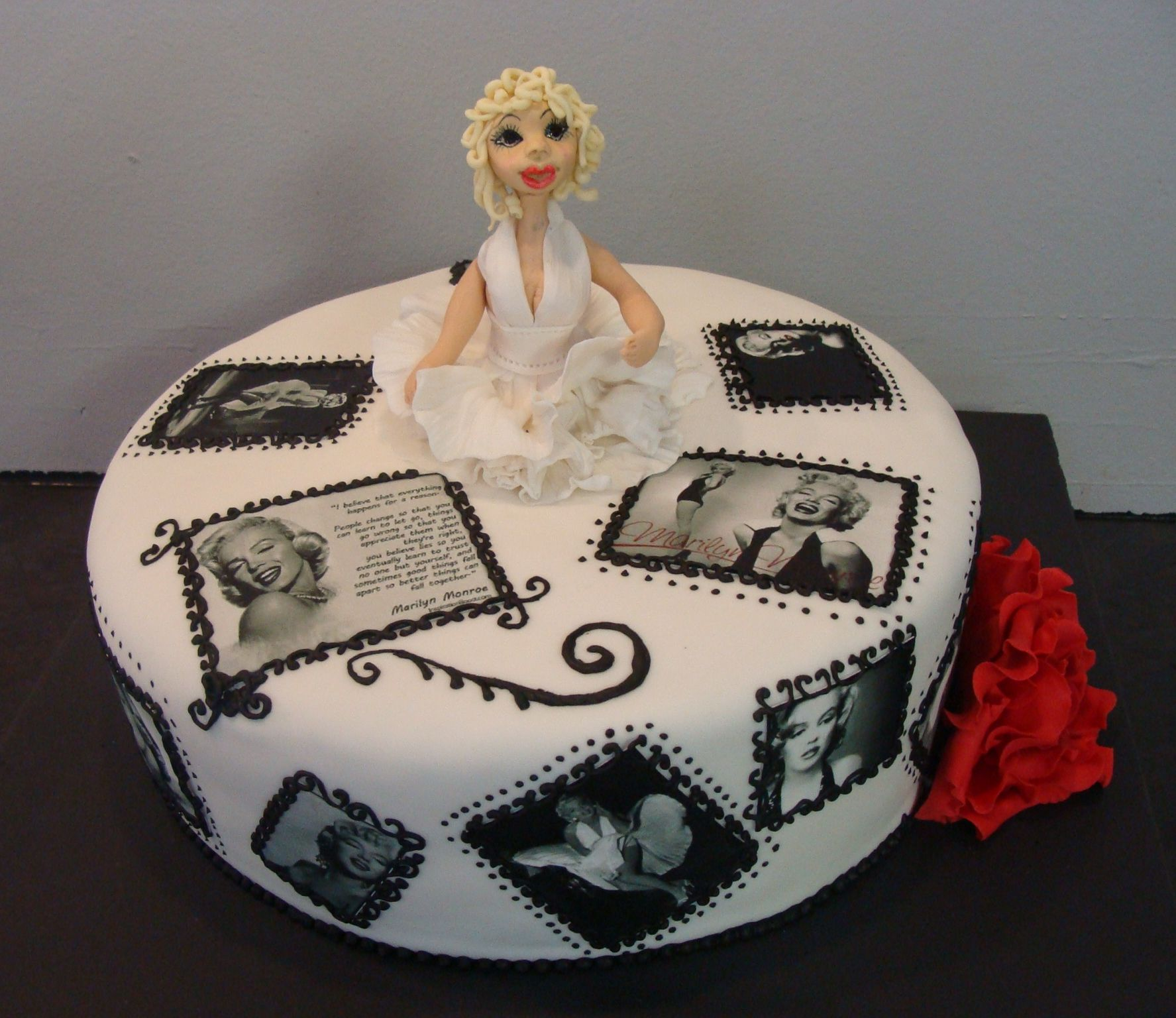 Marilyn Monroe Cake I Want This Cake For My Birthday Cakes