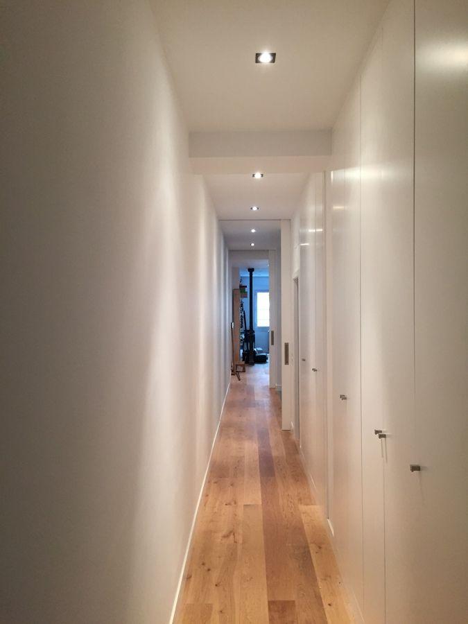 carpintera de armarios a medida en puertas de suelo a techo