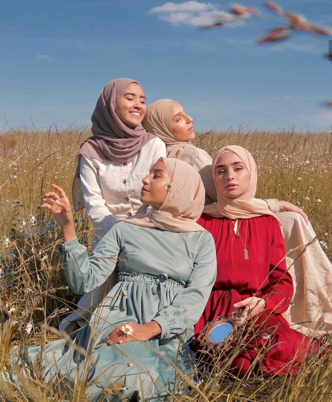 Instagram Hananalbadri Please Keep The Credits If You Repost This More Pictures Like This On My Beautiful Hijab Street Hijab Fashion Modern Hijab Fashion