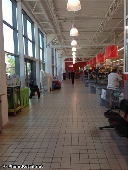 Search Planet Retail Carrefour In France Thonon Les Bains