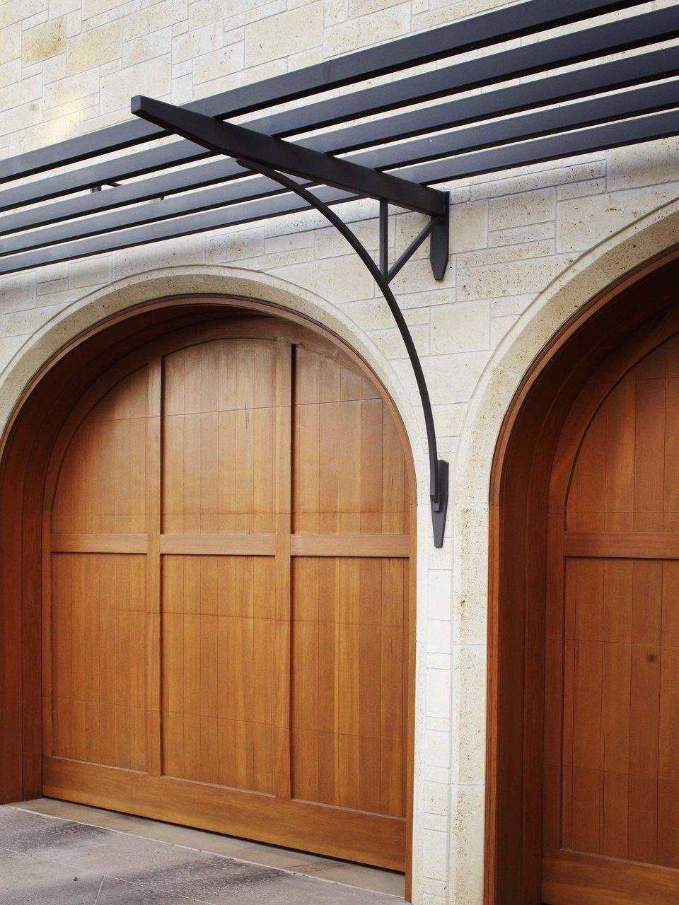 Pergola over garage door | Garage pergola
