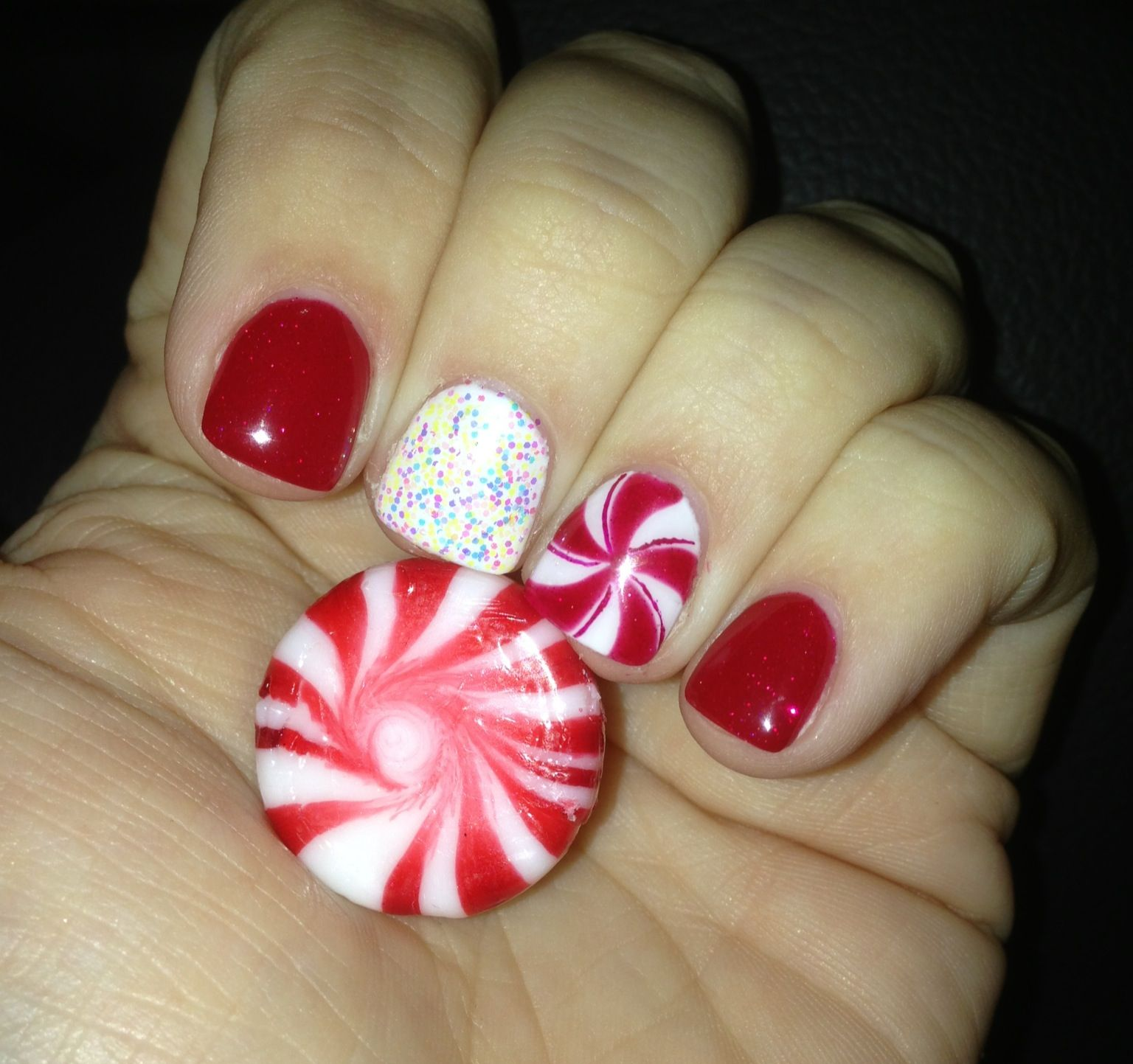 Christmas Gel Nails Manicure: Holiday Peppermint Glitter Gel Manicure