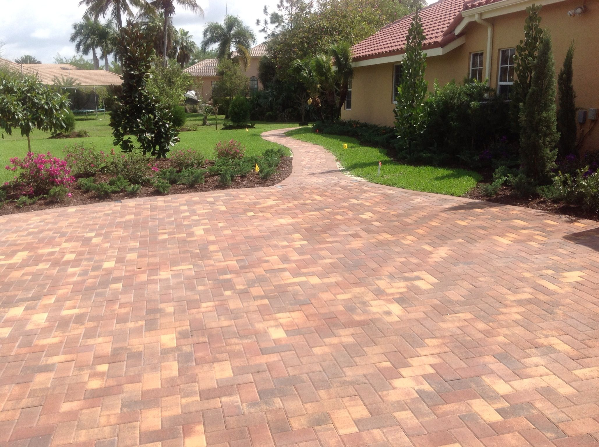 PAVER PRESSURE CLEANING AND SEALING FAQs Beautiful paver