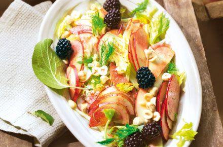 Fenchelsalat mit Apfel und Brombeeren (S&K 09/2013) : das Rezeptportal von naturkost.de - bio, vollwertig, vegetarisch