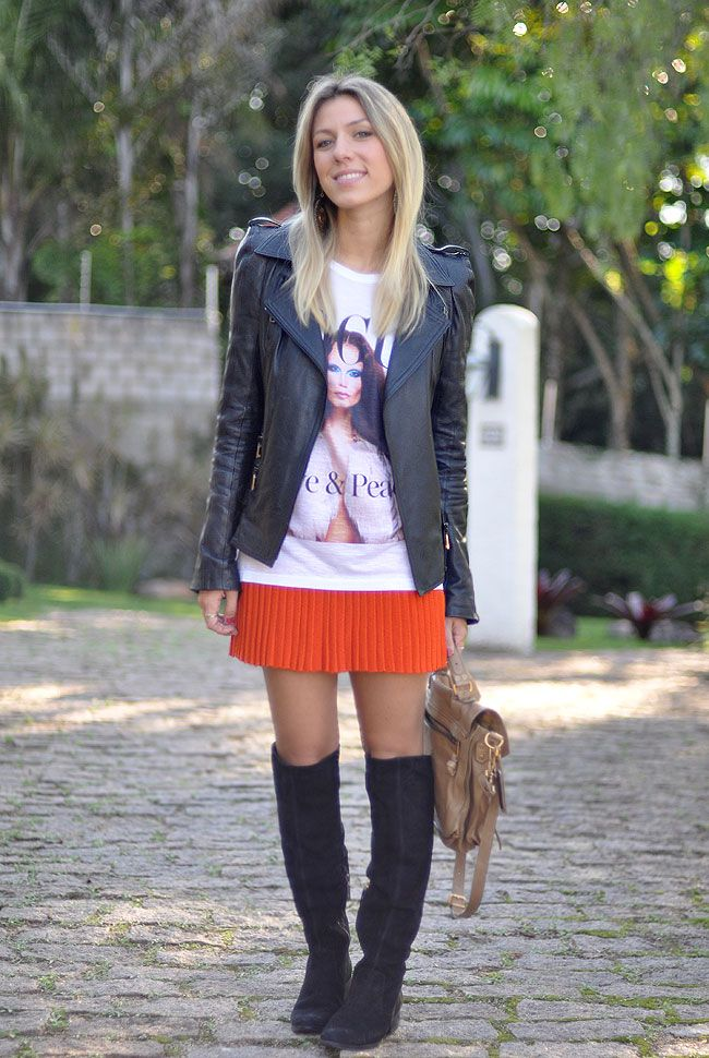NATI VOZZA - GLAM4YOU - LOOK - OVER THE KNEE - BOOTS - PLISSADO - TSHIRT - COURO - PS1 - LOOK DO DIA
