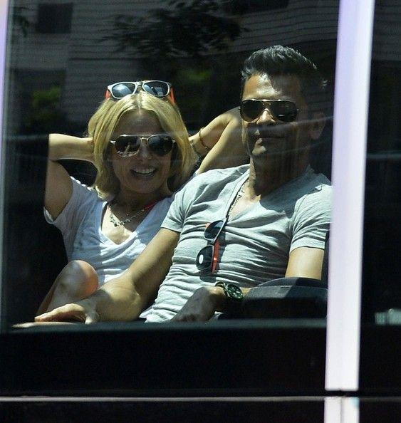 Kelly Ripa in Kelly Ripa and Mark Consuelos on the Fazzino Ride