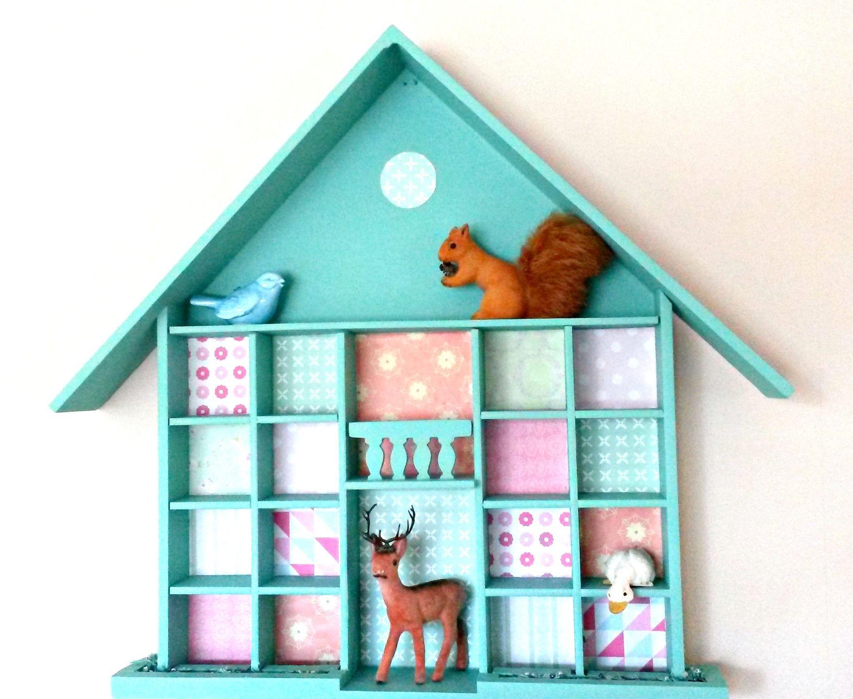 Petite Tag Re Maison Vert Mint Pour Miniatures Collections  # Image Etagere En Bois Vitriner