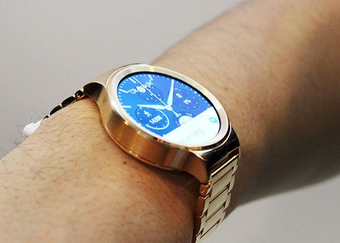 huawei smartwatch on wrist. access the whole word on your wrist with huawei 22k #rosegold plated # smartwatch t