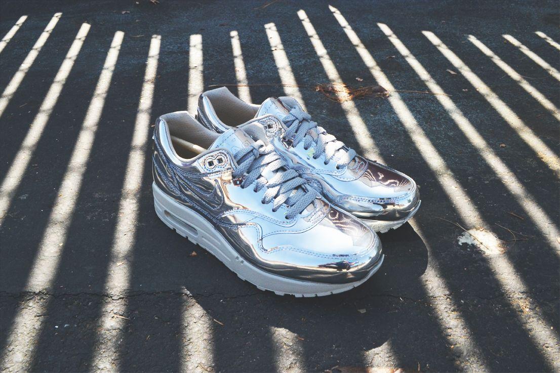 Nike Air Max Liquid Silver