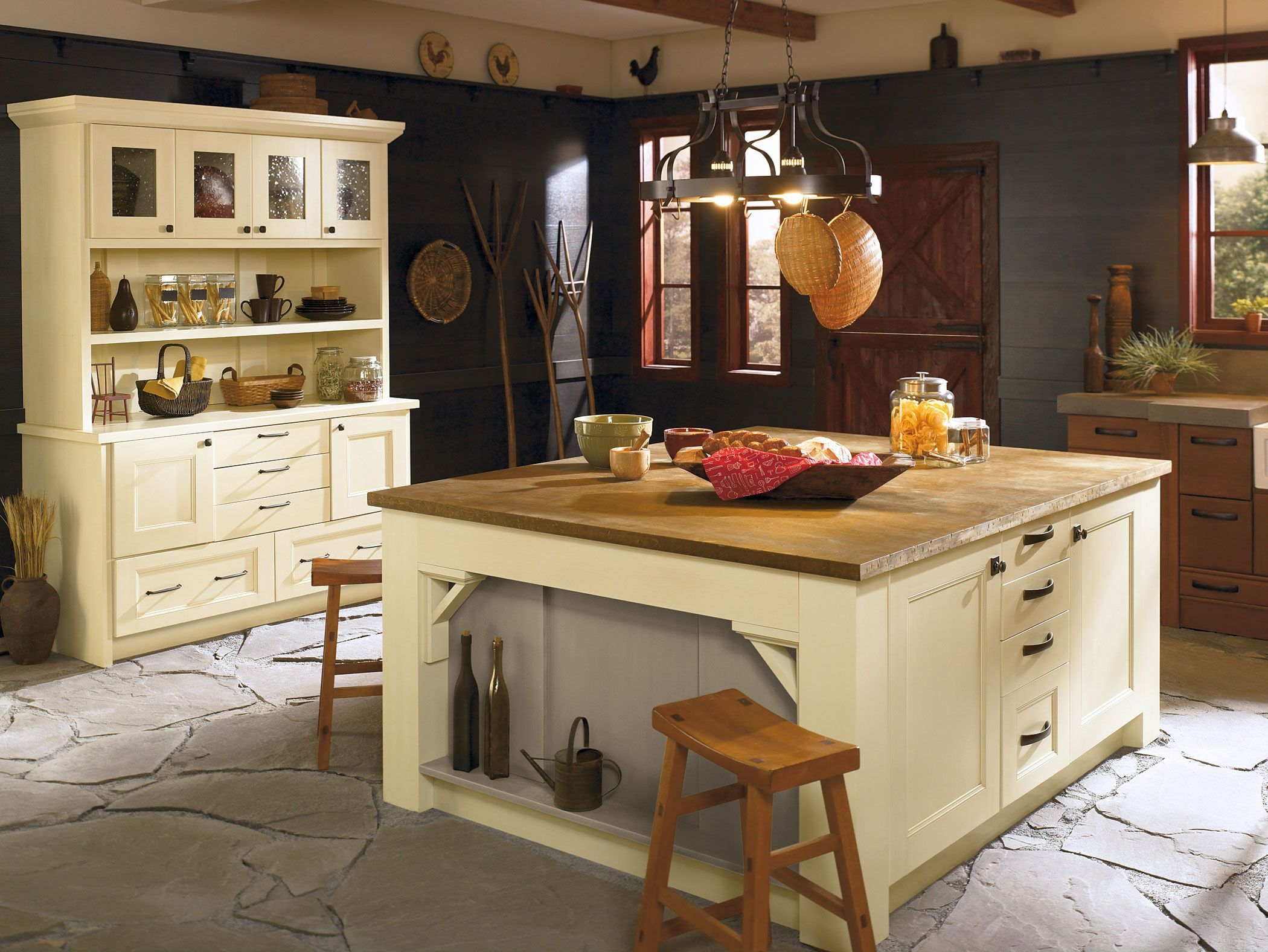 The Tuscan Palomino And Portabello Finishes In Oak Maple With Berkeley Eglin Doors By Kitchen Craft Brings A Modern Country Ambiance To Your