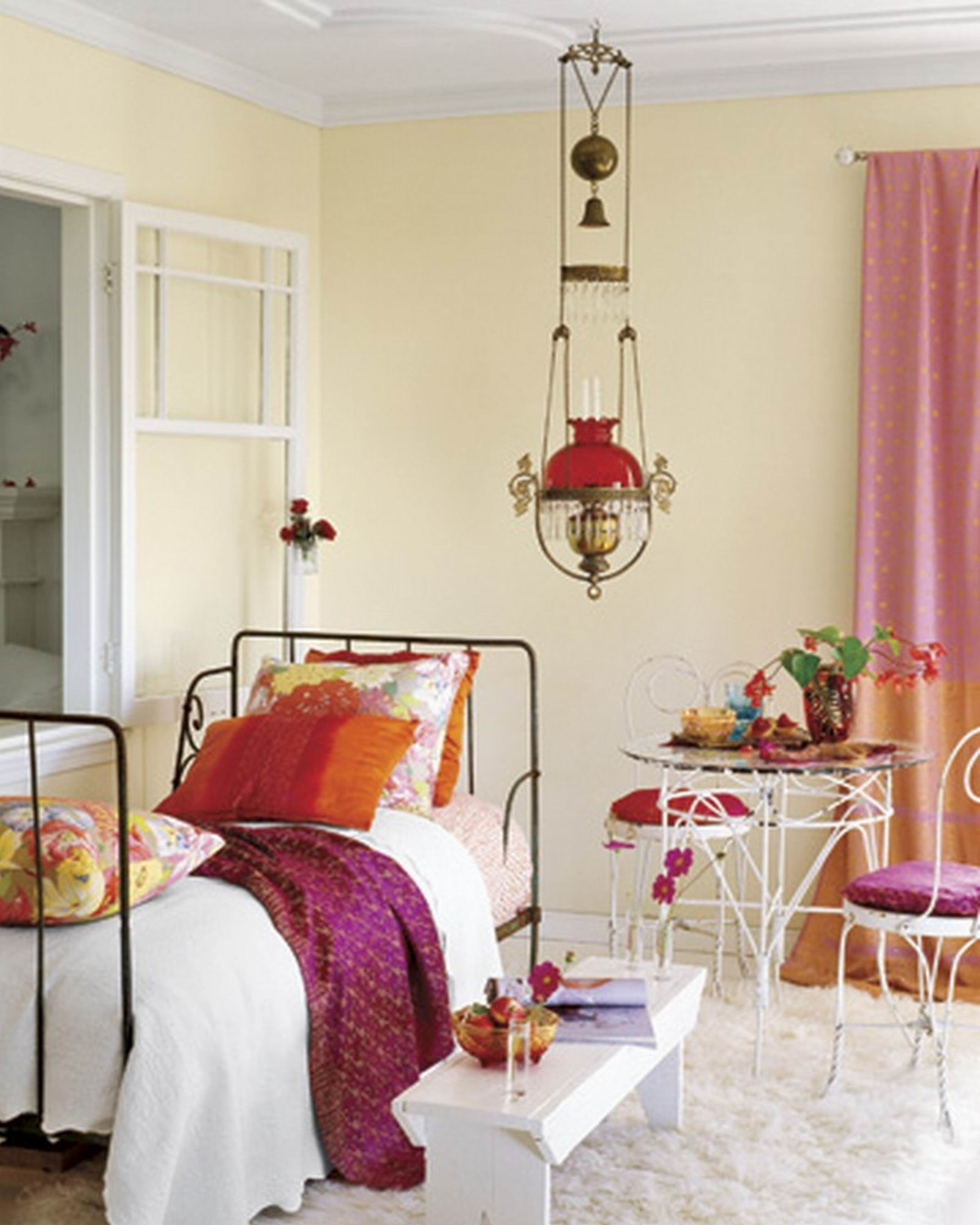 Country Bedroom Decorating Ideas On A Budget Continue With The Details At Image Link Interiordecor