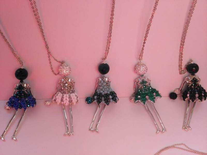 Favoloso Collana Bambolina con vestito di perline cucito a mano 8 | Collane  PX21