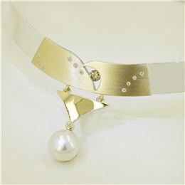 Pearl & Brushed Gold Collar