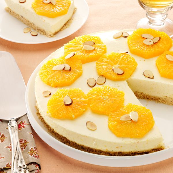 No Bake Orange Cheesecake with Toasted Almonds #thinkfisher #AlexGuarnaschelii  http://www.fishernuts.com/recipes/desserts/No-Bake-Orange-Cheesecake-with-Toasted-Almonds