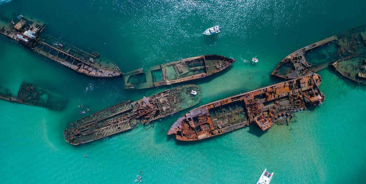 15 Mesmerizing Photos of Underwater Shipwrecks in 2020