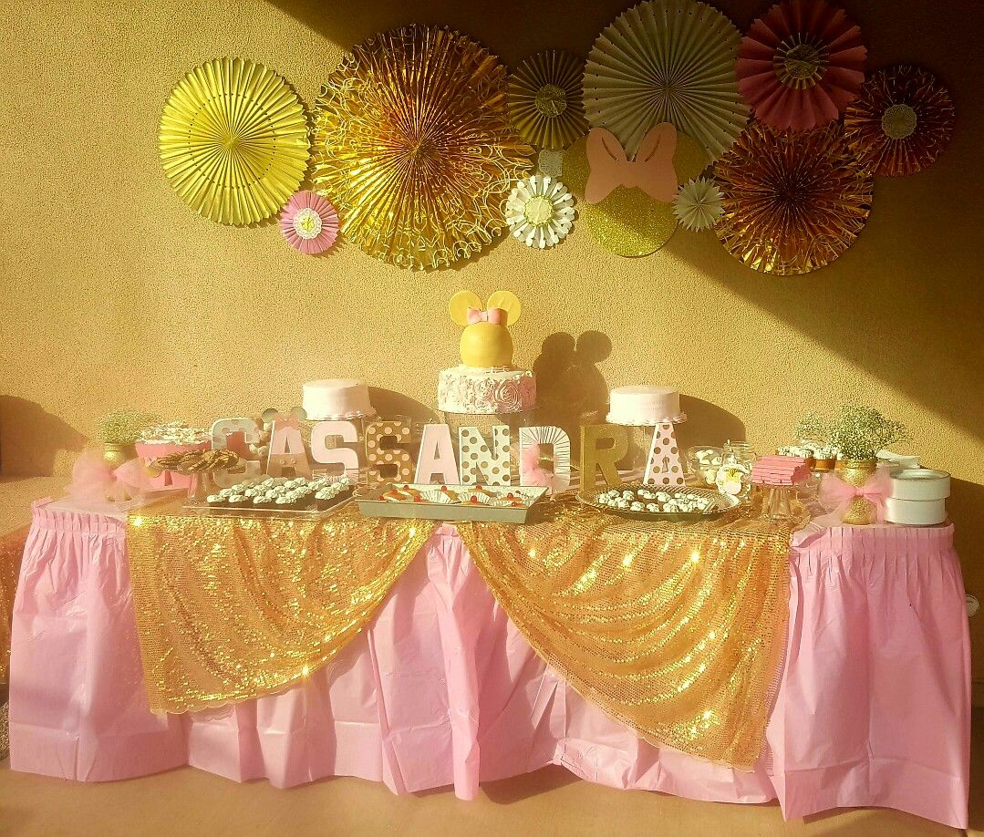 pink and gold minnie mouse birthday party dessert table. Black Bedroom Furniture Sets. Home Design Ideas