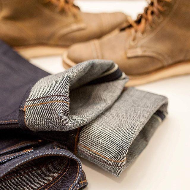 It finally getting cold enough to wear the heavyweight denim. 21oz #theunbrandedbrand denim and #trumanbootco boots will be my combo for this week. #leathershoereview #rawdenim #rawselvedge #selvedgedenim #japanesedenim #boots #bootporn #trumanboots #ootd #styleforum #streetwear #mensfashion #indigo #denim #21oz #21ozdenim