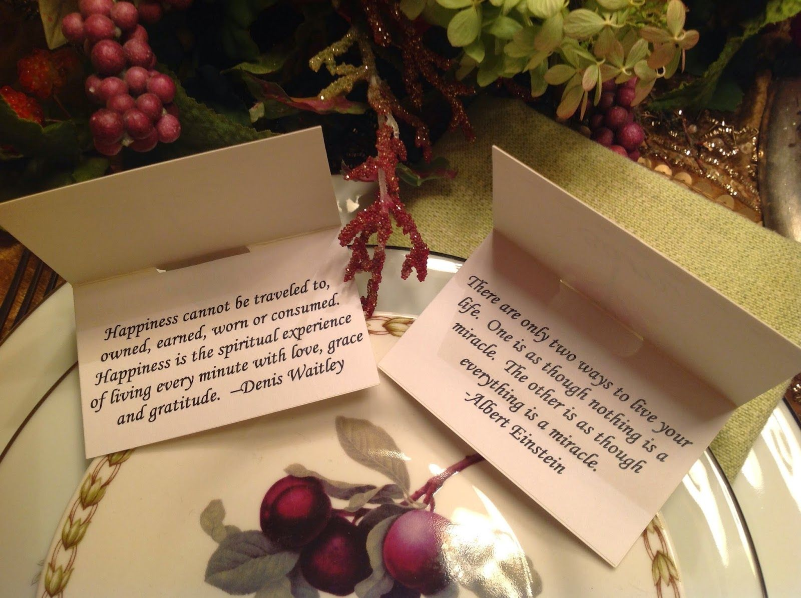 Use Quotes About Gratitude On The Inside Of Thanksgiving Place Cards