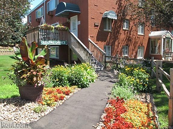 Pine Tree Park Apartmentspine Tree Park Apartments Park Pine Tree Street