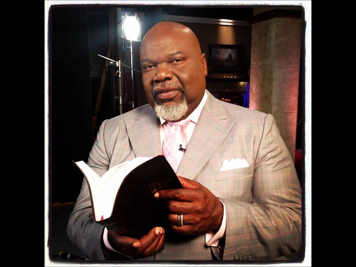 Bishop T.D Jakes Sermons 2015 - In The Presence Of Beasts