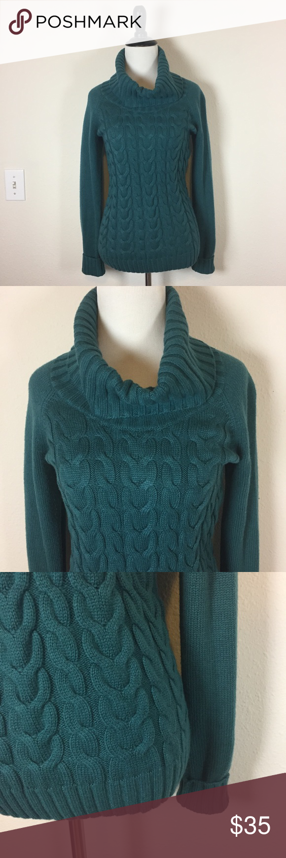 Banana Republic green wool cowl neck sweater XS | Green wool, Cowl ...