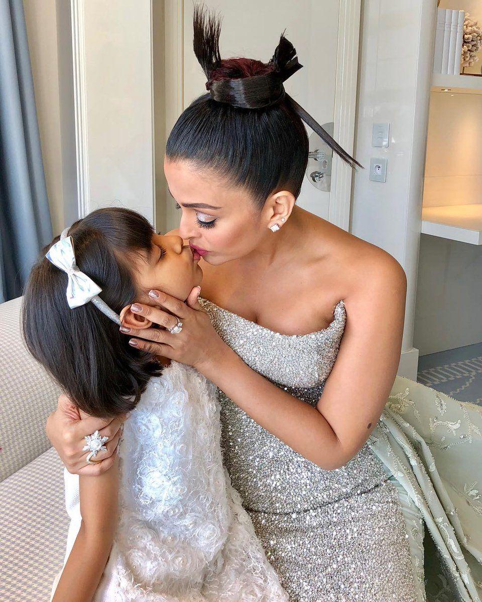 Aishwarya rai wedding dress  Pin by parijat bala on Download  Pinterest  Aishwarya rai