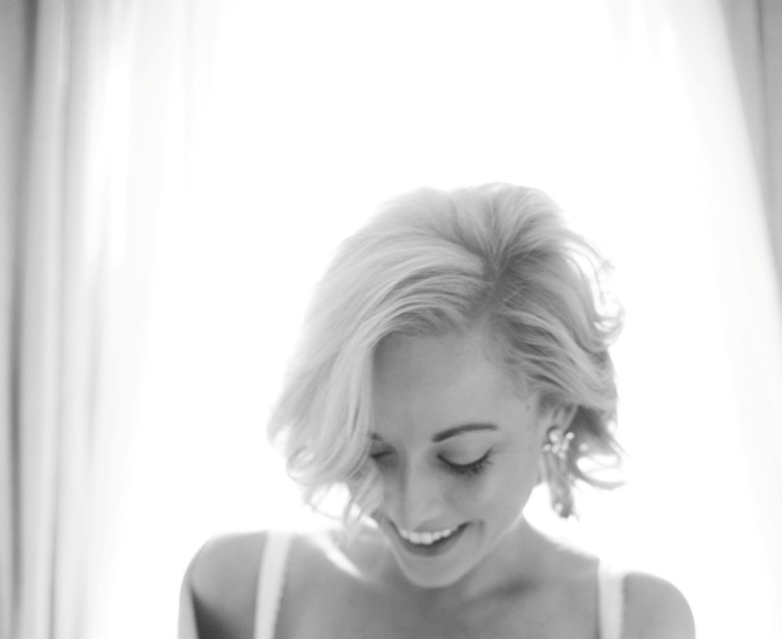 Boudoir with short hair. | Professional portfolio | Pinterest ...