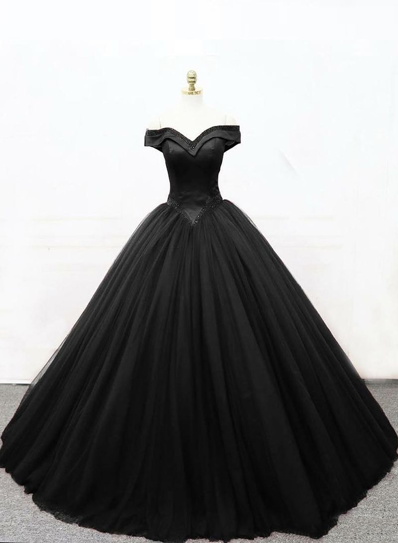 Black Princess Ball Gown Black Formal Dress In 2021 Ball Gown Wedding Dress Gothic Wedding Dress Princess Ball Gowns [ 1091 x 800 Pixel ]