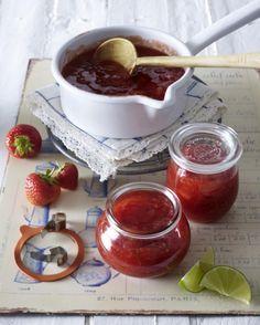 Unser beliebtes Rezept für Erdbeer-Limetten-Konfitüre und mehr als 55.000 weitere kostenlose Rezepte auf LECKER.de.