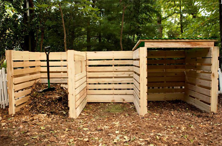 12 Impressive Pallet Fence Ideas Anyone Can Build Off Grid World In 2020 Compost Bin Pallet Diy Compost Compost Bin Diy