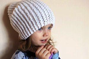мастер класс по вязанию шапки бини спицами видео схема вязания