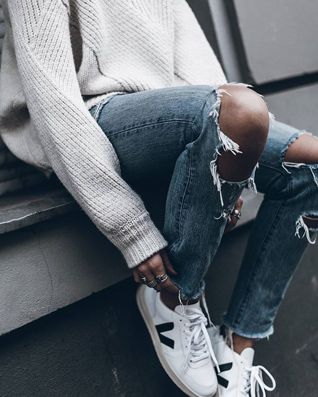 vendedor Concentración fantasma  White Rips and @veja shoes love! #veja #sneakers | Fashion, Veja shoes,  Fashion inspo