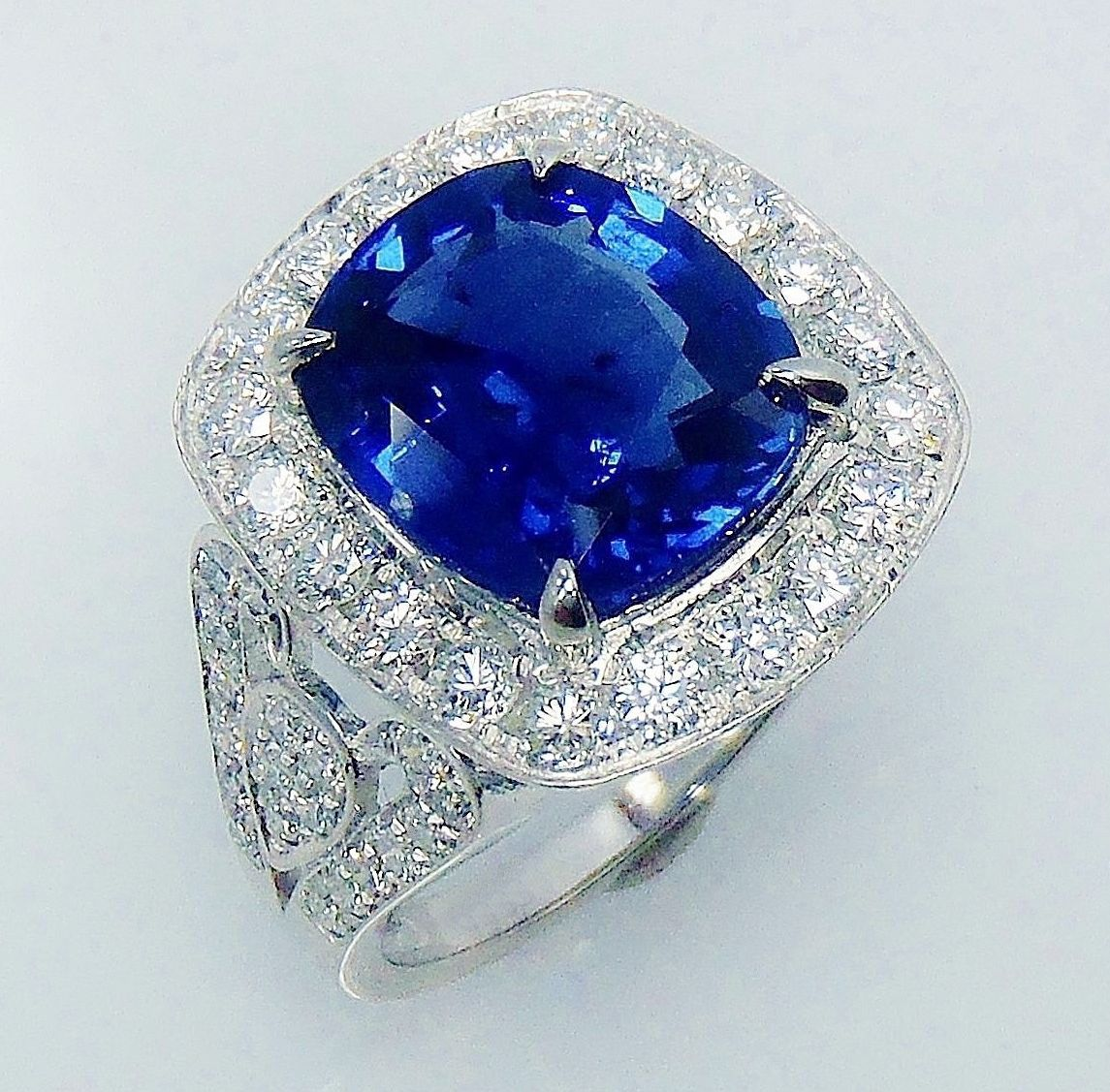 Vintage Cocktail Rings 1.20Ct Diamond Blue Sapphire 4.02Ct