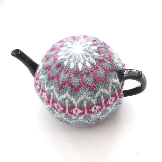 Hand Knit Fair Isle Tea Cosy | Tea cosy, Hand knitting ...