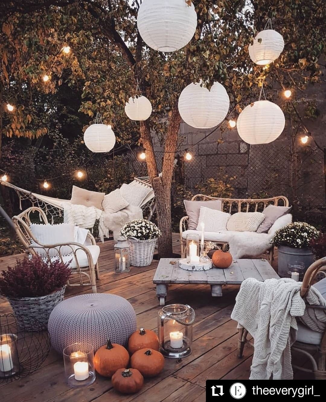 7 Affordable Landscaping Ideas For Under 1 000: Loving This Outdoor Decor Inspo From The @theeverygirl