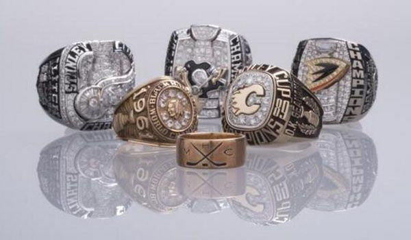 Philip Pritchard The Nhl S Keeperofthecup Tweeted This Great Photo Of Nhl Stanley Cup Rings On Dis Stanley Cup Rings Championship Rings Hockey Hall Of Fame