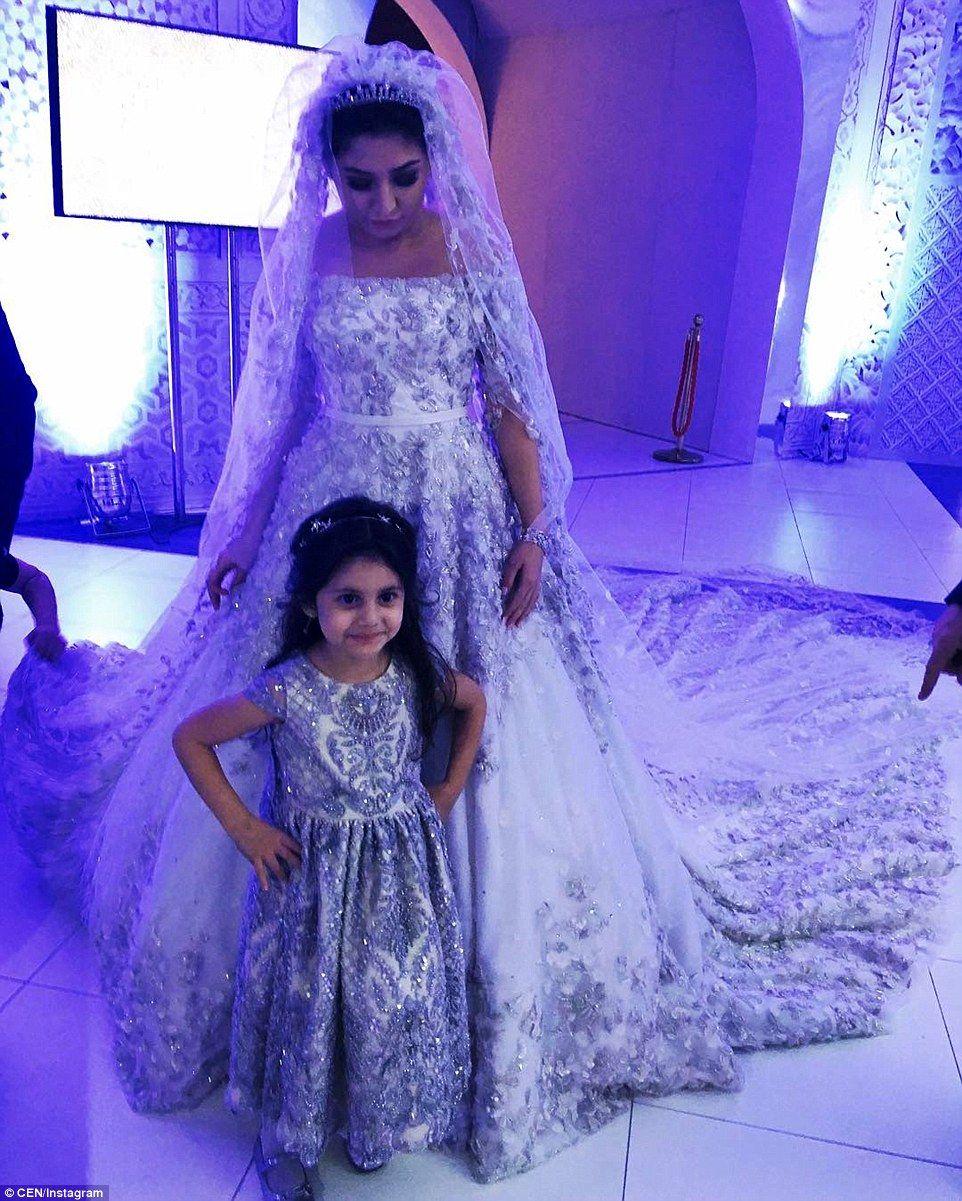 Oil tycoon\'s daughter wears £500,000 wedding dress   Zuhair murad ...