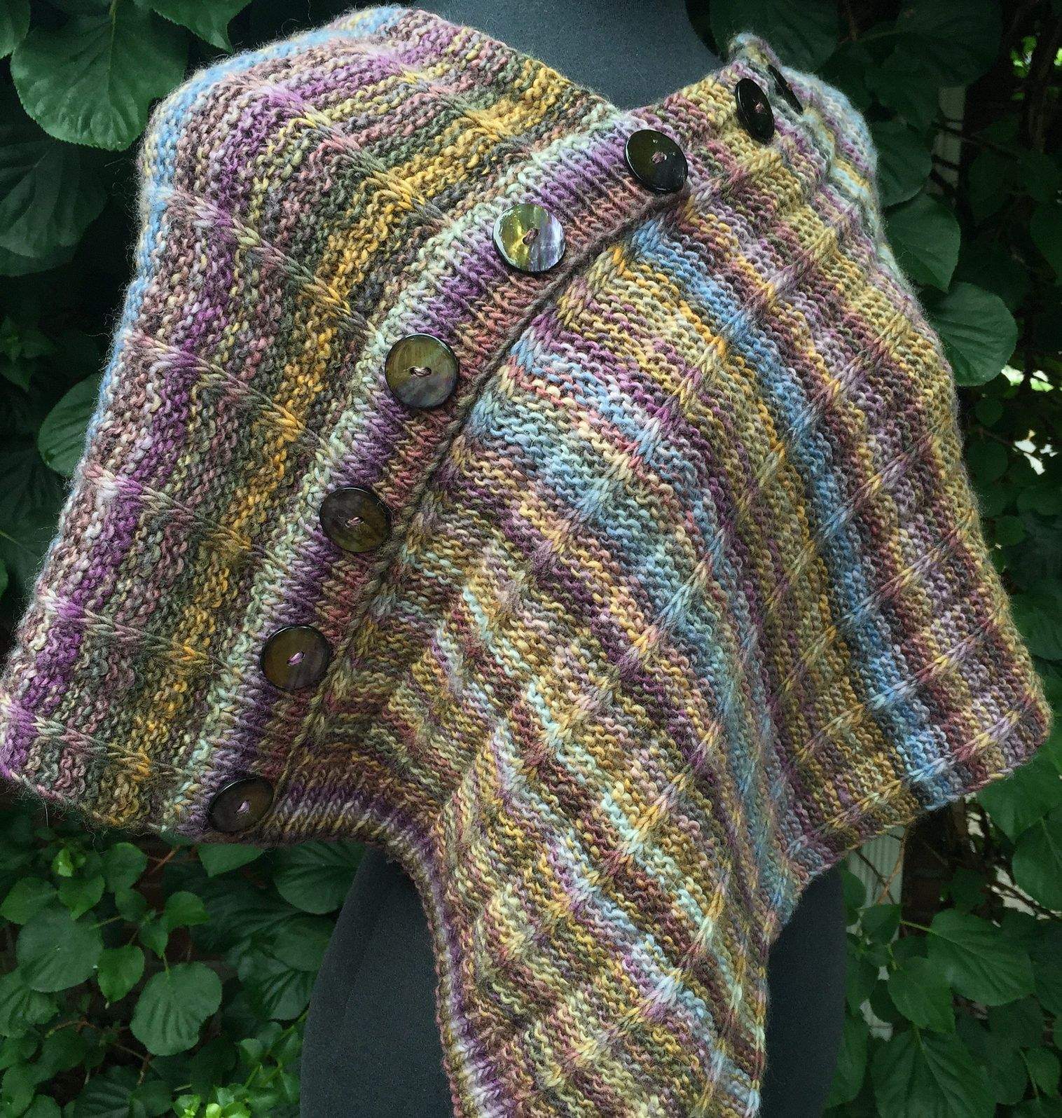 Free Knitting Pattern for One Row Repeat Mira Monte Poncho - This ...
