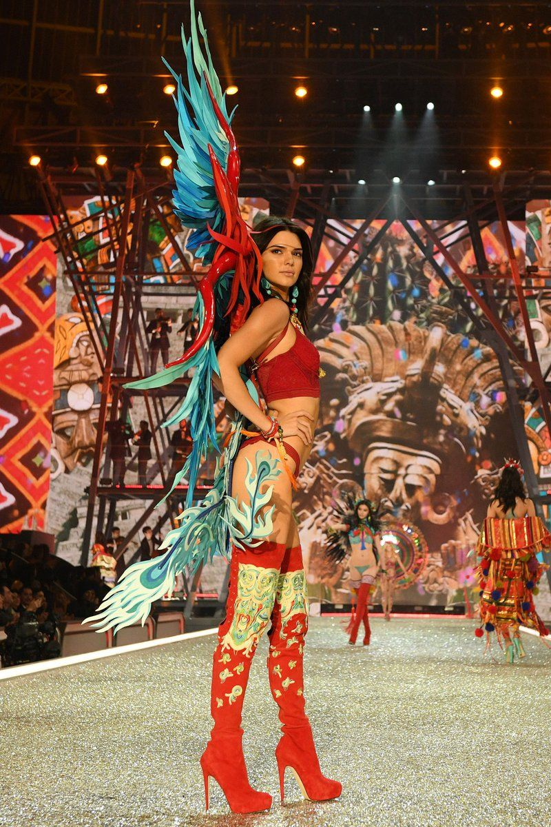 Kendall Jenner Vsfs 2016 Tap The Link Now To See All Our Amazing