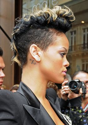 Rihanna Mohawk Haircut S Short Haircuts Best Styles Over The Years
