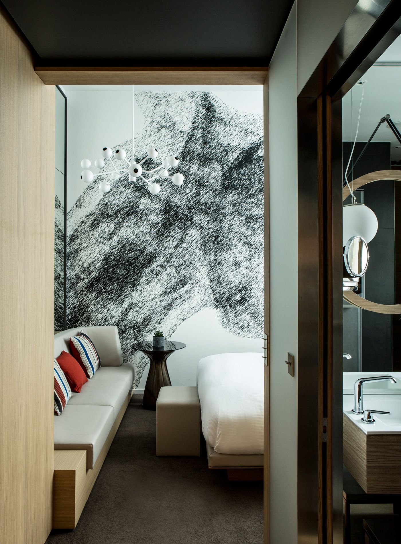 Telecommunication Room Design: Voyages, Hotels De Luxe, Spas