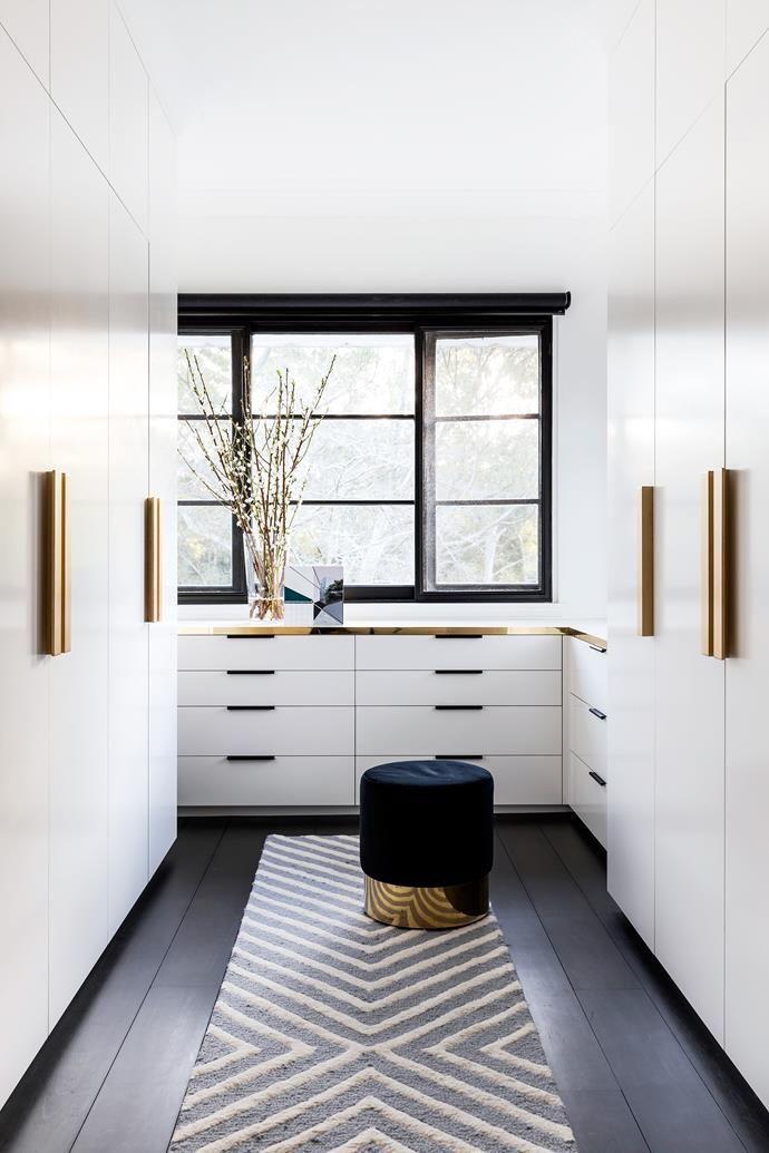 Pin Von Mori V Auf Ankleidezimmer Begehbarer Kleiderschrank Design Kleiderschrank Design Ankleideraum Design