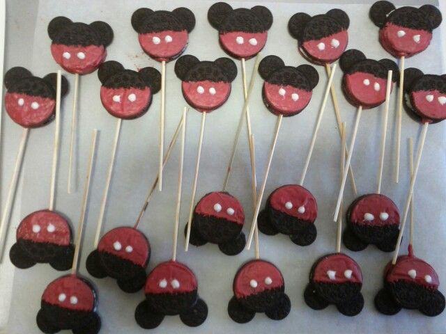 Piruletas de Oreo Mickey