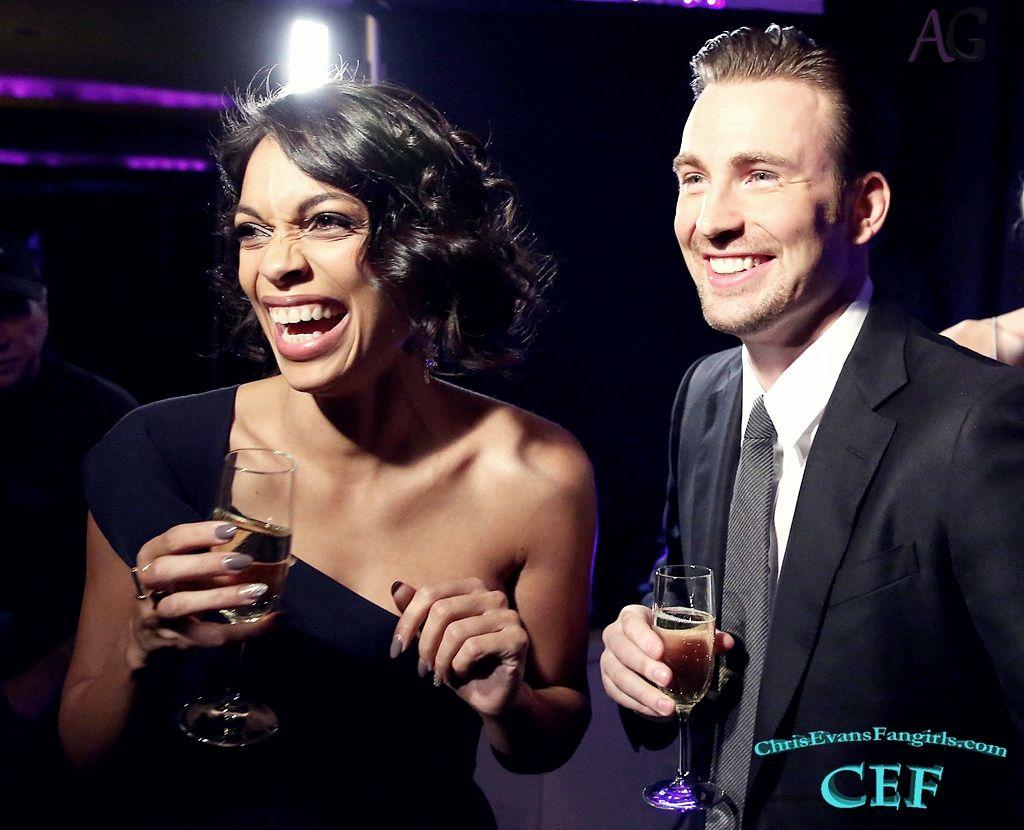 [Photos] Chris Evans at the 20th Annual Critics' Choice Movie Awards.