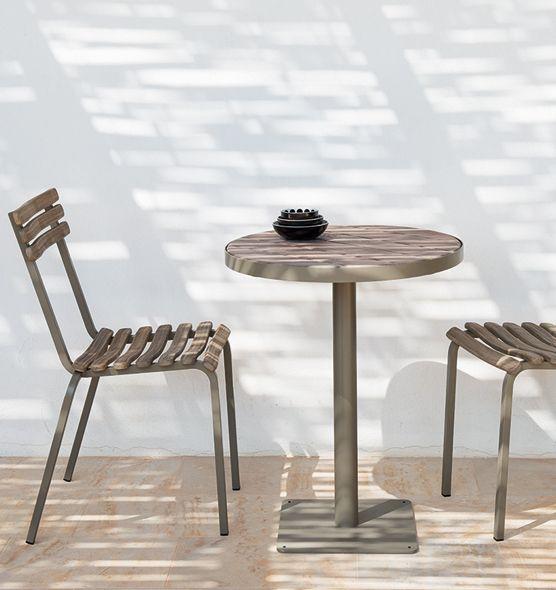 Chaises en métal et teck décapé Escalier Extérieur Décoration