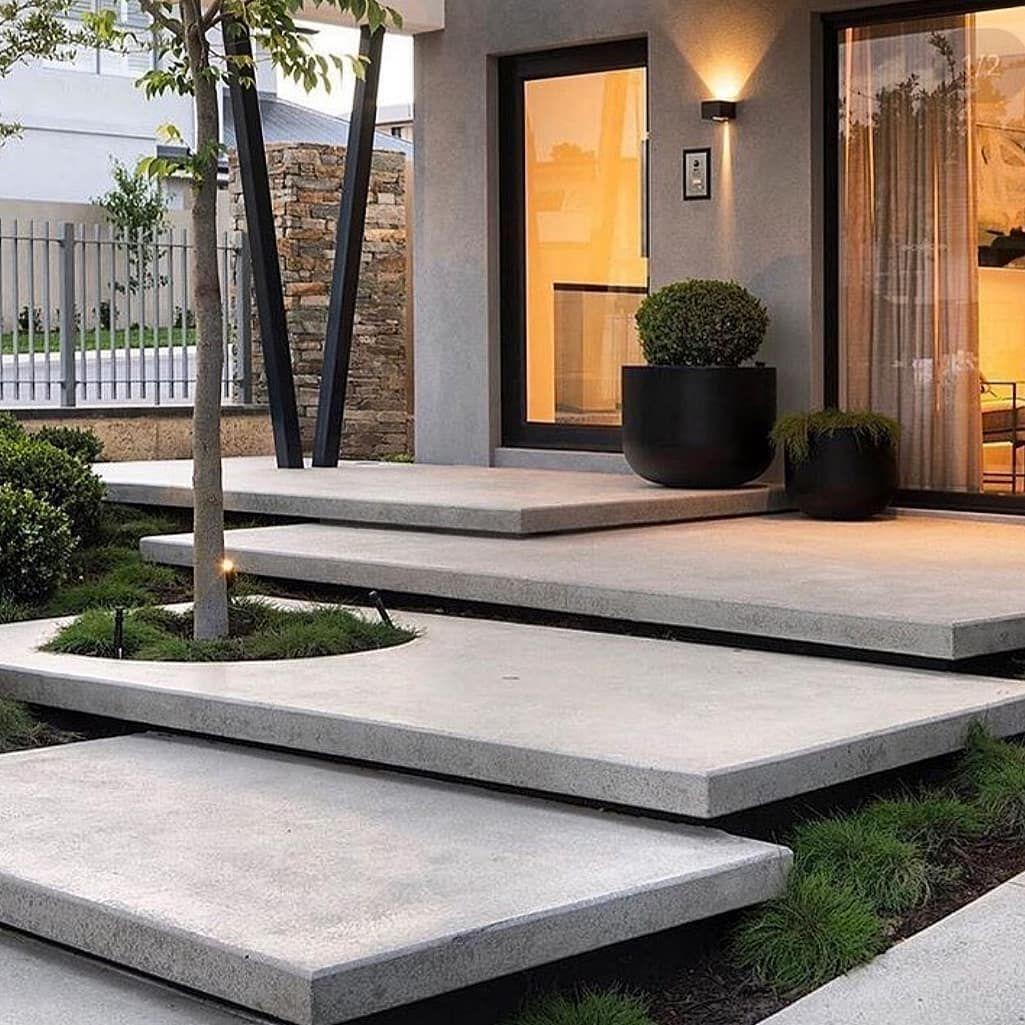 Best Home Insurance You Need To Know Amenagement Paysager Devant Maison Decoration Jardin Maison Amenagement Entree Maison